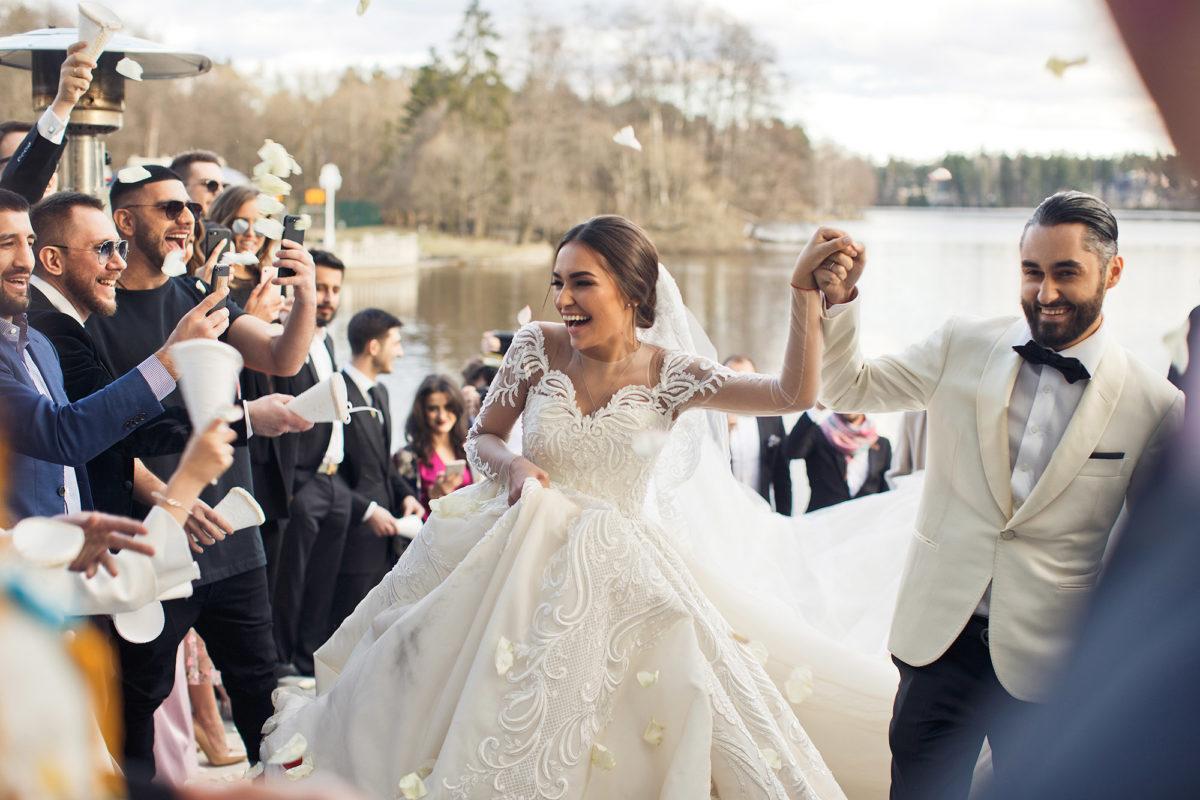 джакузи свадьба певца мота платье невесты фото опишем